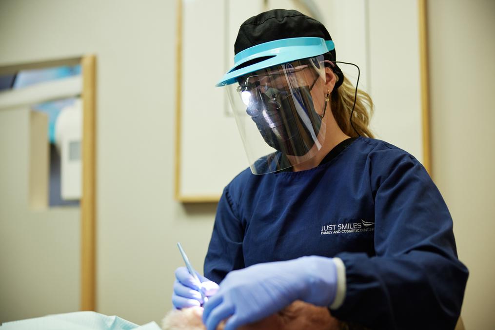 Just Smiles offers cosmetic dentistry procedures in Hilliard such as dental bonding and teeth veneers.